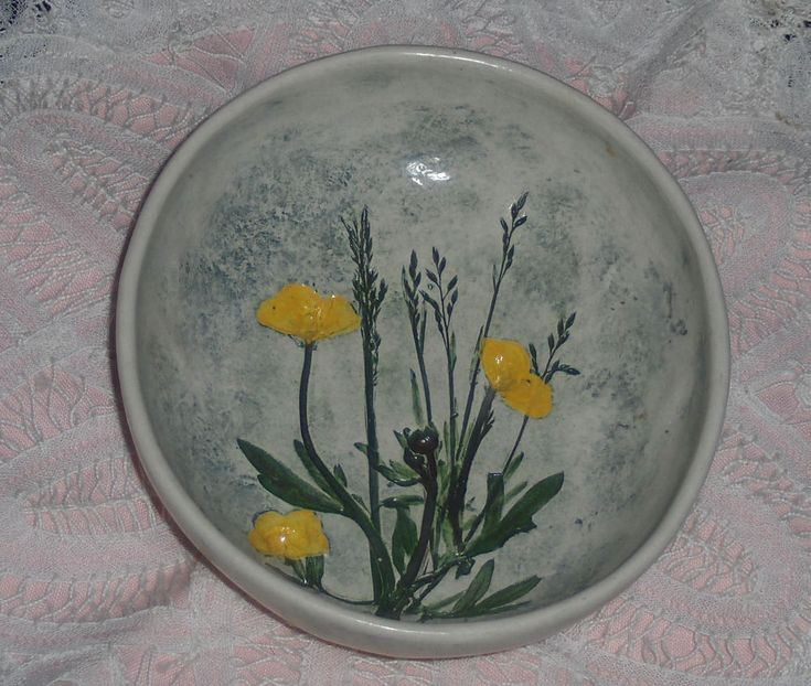 Vtg Salt Marsh Art Pottery Yellow Buttercup Flowers Oval Dish Plate Wall Hanging #SaltMarshArtPottery #Americanfloraldish
