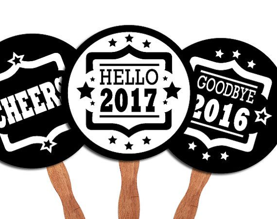 D.I.Y. Printable photo booth props: New Years Eve Party por 12punt3