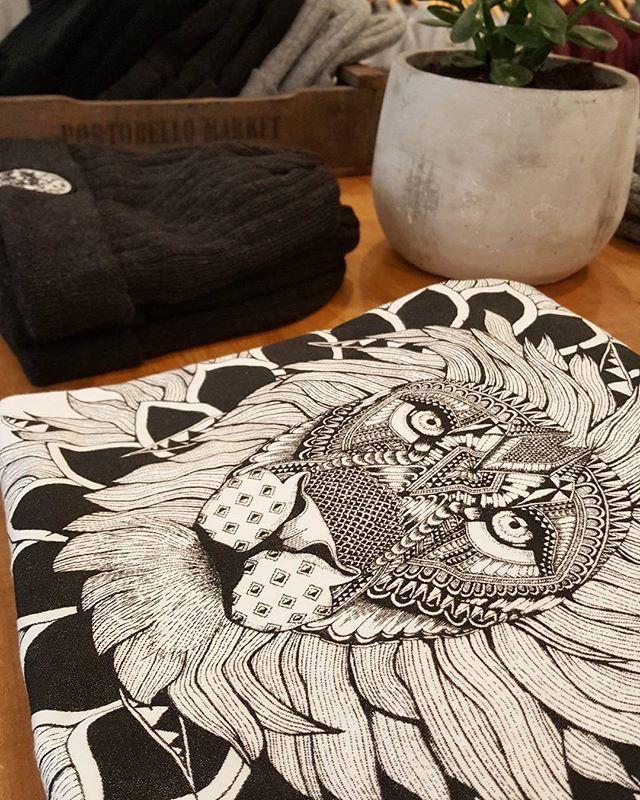 The King Organic Cotton Tee - Illustrate
