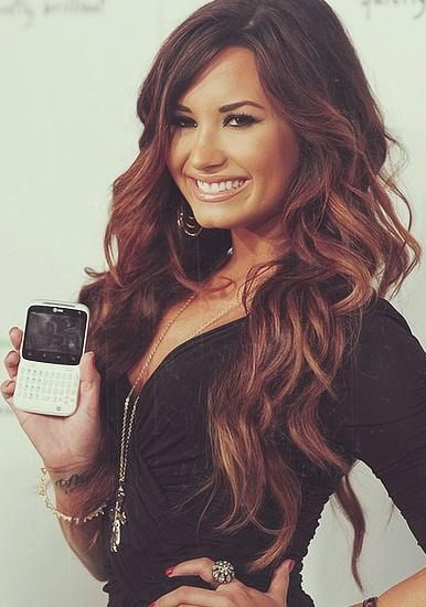 Demi Lovato ♥The hair and color!