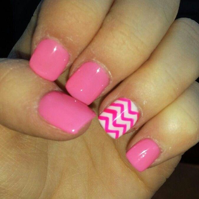 Chevron Toenails Pink Pink chevron nails