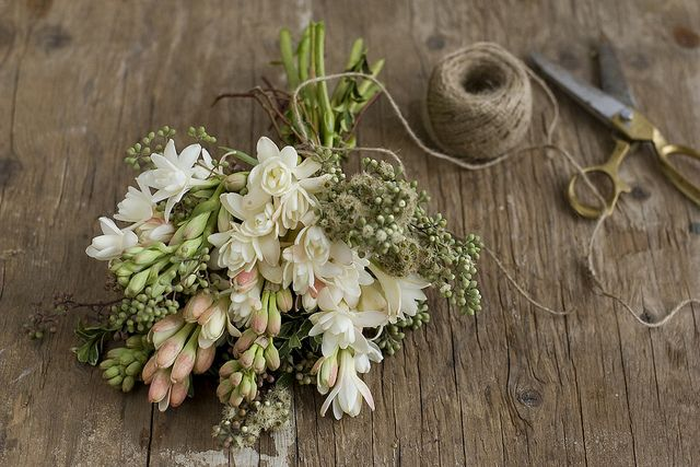 Fragrant soft white and peach bouquet