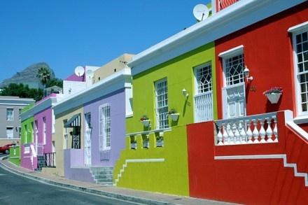 Südafrika – Genuss pur! Die beste Reisezeit für Südafrika ist, wenn's bei uns ungemütlich ist: November – April! In Südafrika gibt es nicht nur imposante Städte, wunderschöne Strände und Weingebiete sondern noch viel, viel mehr…