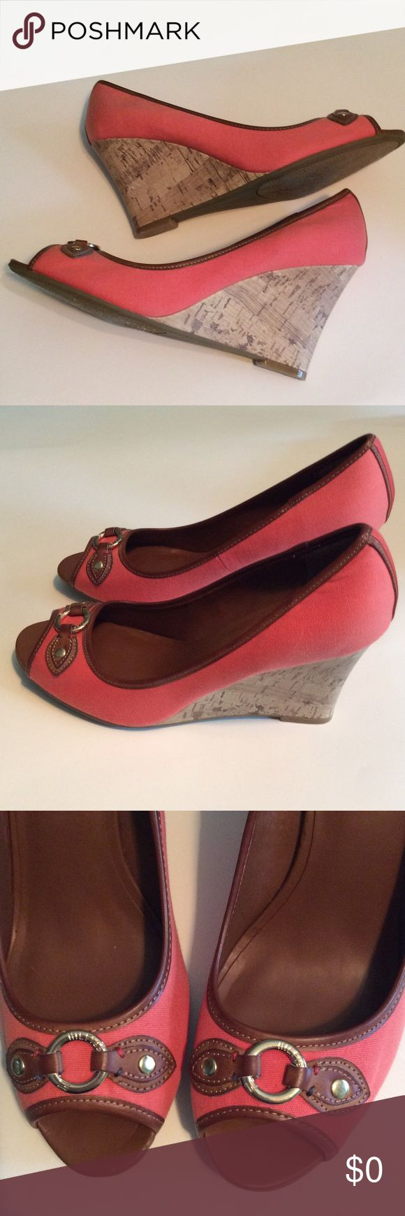Tommy Hilfiger ladies shoes Tommy Hilfiger ladies shoes....sz: 10 med....very pretty....Color is kind of a salmon and a brown....Excellent condition except for inside the shoe (Picture number 5) where sale sticker was placed....nothing a shoe pad/insert can't fix.... Tommy Hilfiger Shoes Wedges