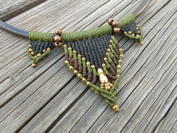Leather Macrame Necklace with brass beads de PrincipiArt en Etsy