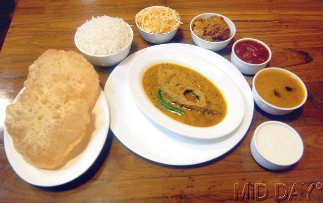 The Boda Fish Thali at Cafe Boda, Powai. #Mumbai #NaviMumbai #Food #Bengali