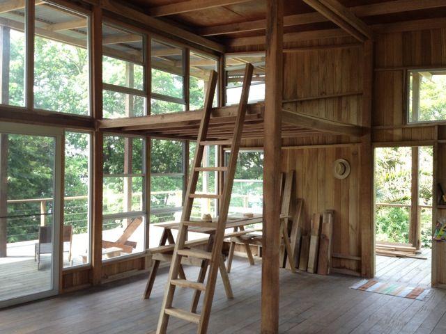 Jesse Kamm built her own house in Bocas del Toro, Panama