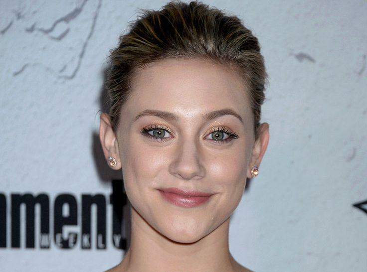 Actu : Lili Reinhart : La star de Riverdale se confie sur ses problèmes d'acné sévère