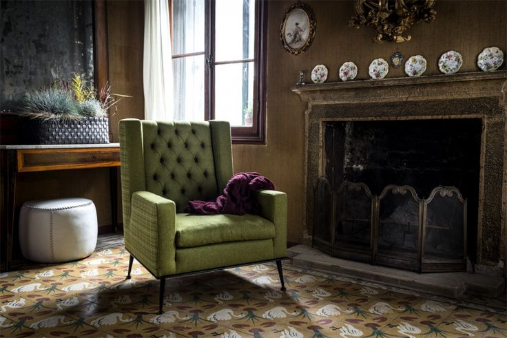 The choice of different upholsteries confers a versatile and current aura