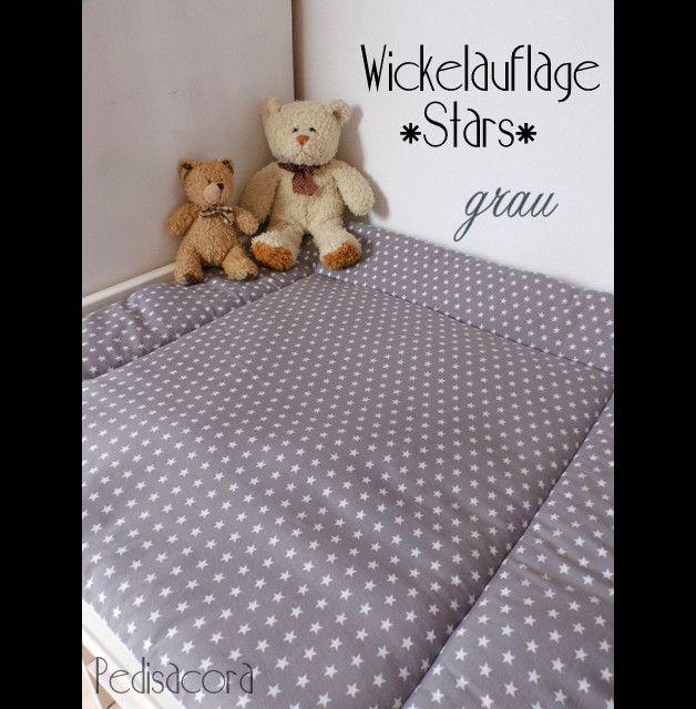 ** Wickelauflage im Sternen-Look**  Etwas ganz Besonderes für jedes Kinderzimmer und gut zu kombinieren!  Wickelauflage-Babyauflage-Decke grau im Sternen-Design! Sehr angenehm für Babys zarte...