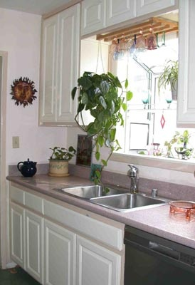 garden window kitchen - with glasses above & 47 best Garden Windows images on Pinterest | Garden windows ... Pezcame.Com