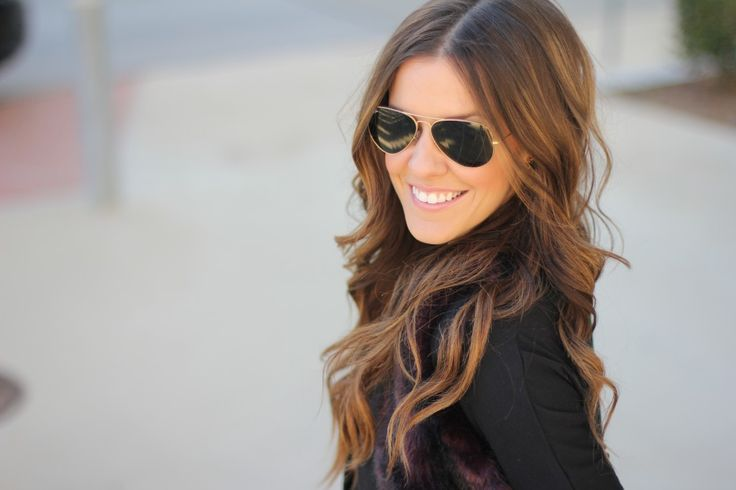 great hair and nice pair of classic ray bans can make an outfit