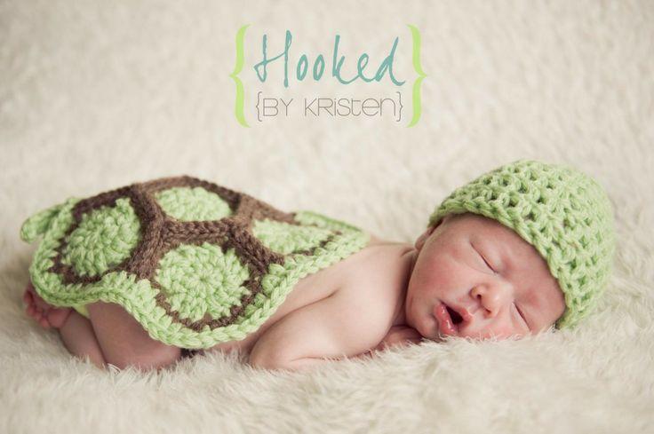 (http://www.hookedbykristen.com/crochet-turtle-photography-prop/)