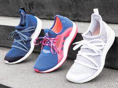 Как постирать кроссовки разными способами: вручную и с помощью машинки, а также реальный способ избавления от неприятного запаха.