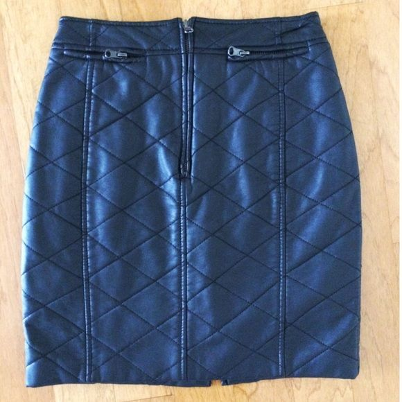SFERA • Faux leather quilted skirt -Black Excellent condition worn only a few times. The zipper is at fromt Sfera Skirts Mini