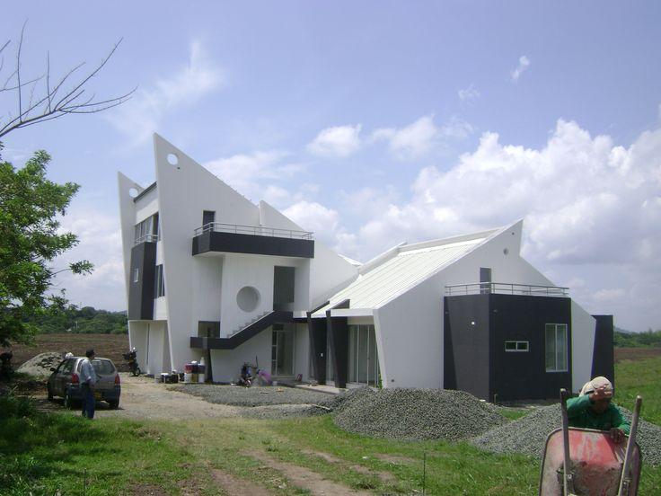 CASA ECOLOGICA EN CERRITOS PEREIRA COLOMBIA DISEÑADA Y CONSTRUIDA POR EL ARQUITECTO RODRIGO MEDINA TEL 300 7862656