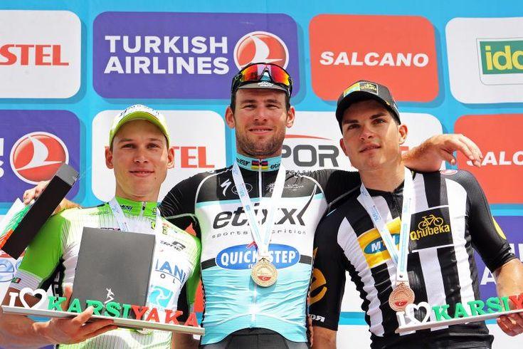 """166-километровый отрезок седьмого этапа велогонки """"Тур Турции"""" выиграл представитель команды EQS Марк Кавендиш, преодолевший дистанцию за 3ч 59мин 49сек. Спортсмены промчались 2 мая по трассе со скор..."""