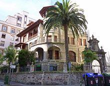Bilbao - La Casa Arróspide es un edificio considerado Bien Cultural Calificado por el Gobierno vasco desde 1994. Después de ser casa de la familia Arróspide, albergó al rectorado de la Universidad de Bilbao.