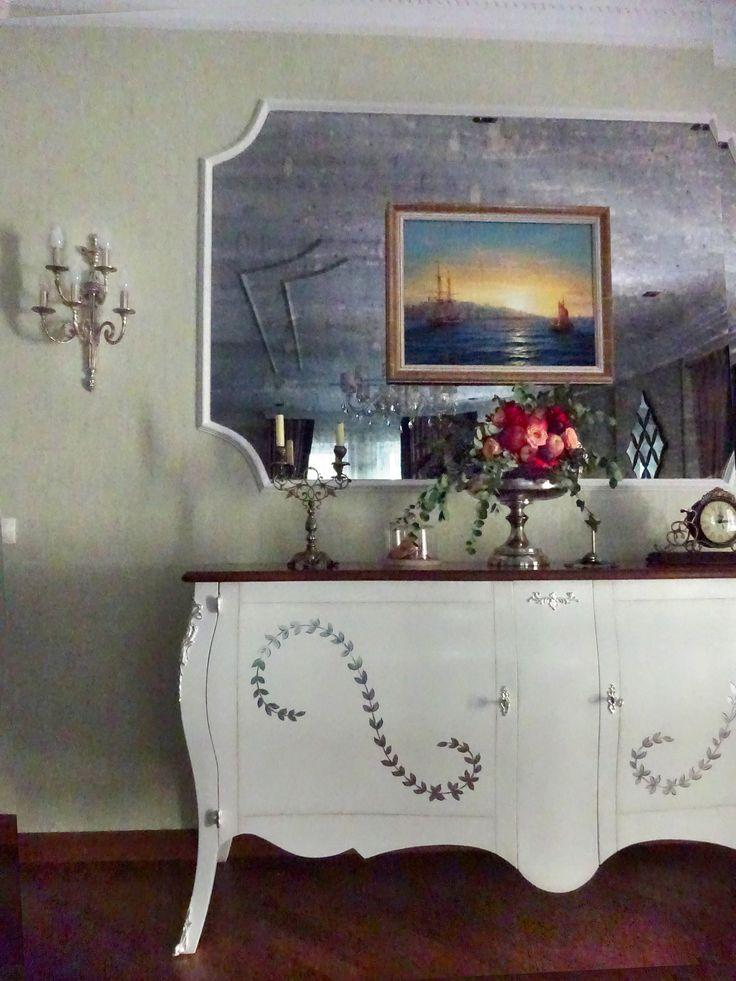 Спальня в загородном доме. #krapivinairina #моипроектыkinirina #спальня #камин #зеркало #картины #мебельиталии