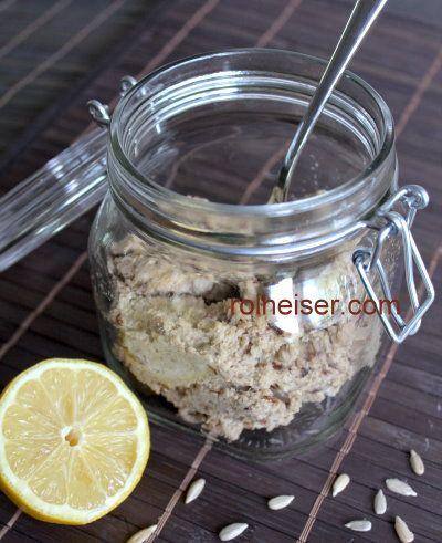 Сыроедческаий паштет из подсолнечных семечек, фото