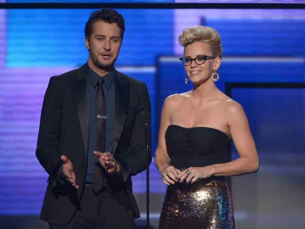 American Music Awards: Glasses Style | The Look | ClearlyContacts.ca – Eyewear + Fashion