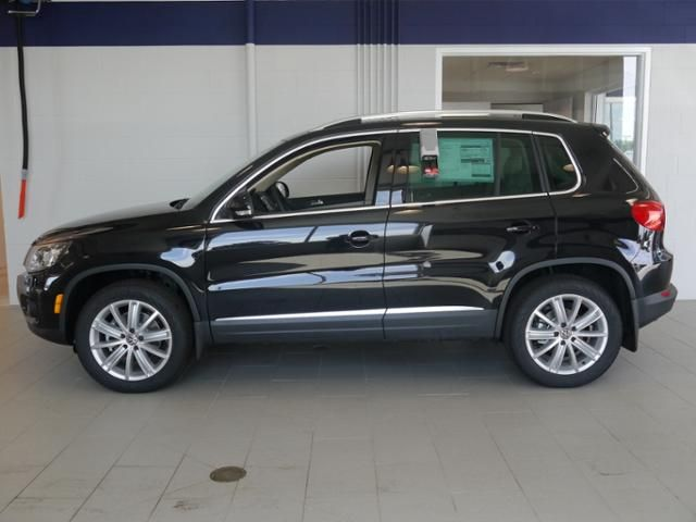Classic Black SUV - New 2016 Volkswagen Tiguan For Sale | Brooklyn Center MN - VW SUV for sale in Minneapolis.