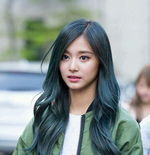 Pin By Xpensive On Asian Beauty Kpop Hair Idol