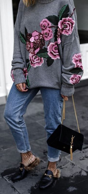 FLOWER KNIT JUMPER AND GUCCI PRINCETOWN LOAFER