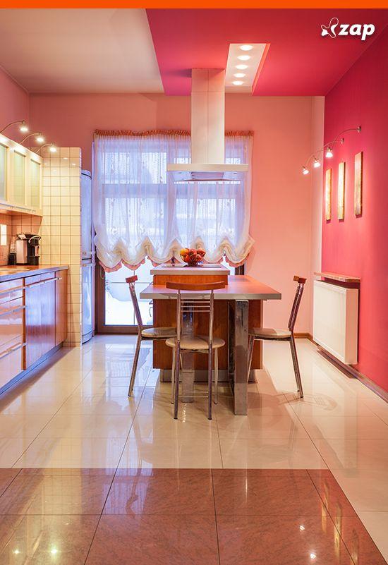 Aposte em cozinhas coloridas para deixar o ambiente leve e divertido! Confira inspirações: