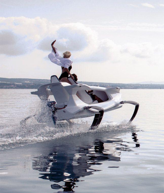Quadrofoil : La motomarine réinventée.