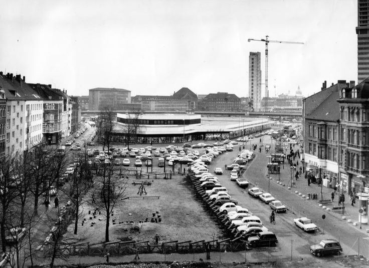 HANNOVER Oststadt * In den 70er Jahren bezog das Warenhaus Defaka den Pavillon am Raschplatz – bis zur Fertigstellung des neuen Kaufhauses Horten an der Schmiedestrasse