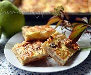 Slaný koláč s hruškami a plesňovým syrom