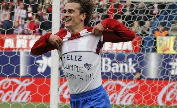 Competición multa a Griezmann por la camiseta de felicitación a su novia