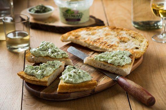 Geroosterd Turks brood met HEKS'NKAAS® - HEKS'NKAAS®