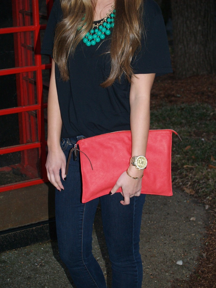 Pops of color, Stella and Dot necklace with Gap purse #outfitideas #coral #teal