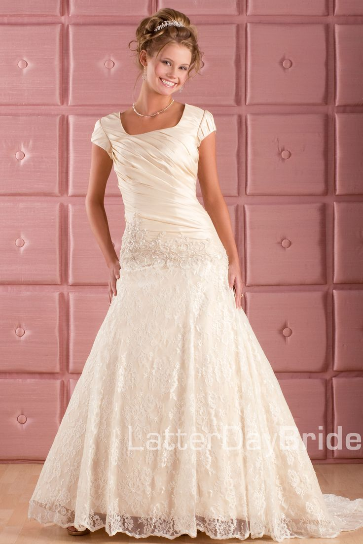 48 best Wedding Dress images on Pinterest | Wedding bridesmaid ...