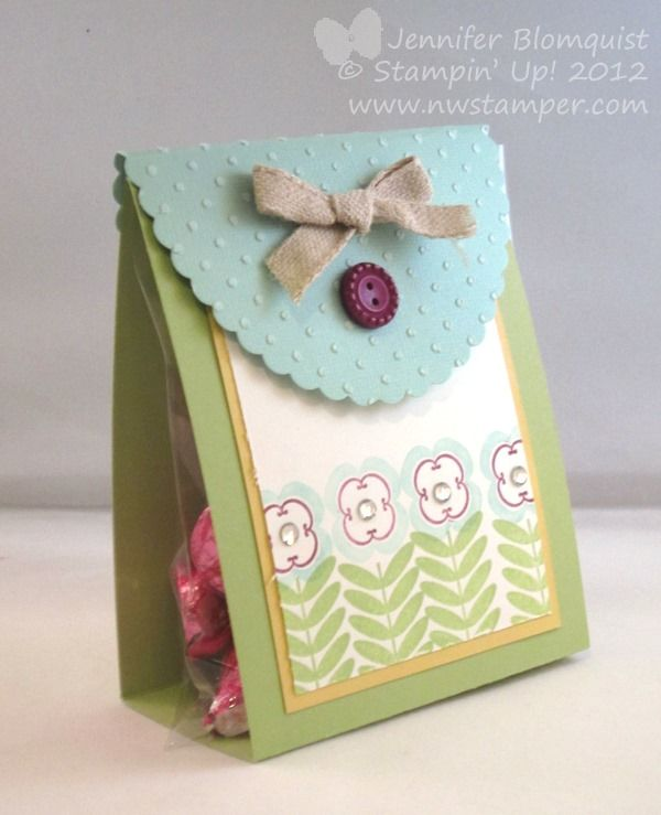 An easy & cute treat pouch by Jennifer with instructions! She used Madison Avenue (SAB) to decorate it.
