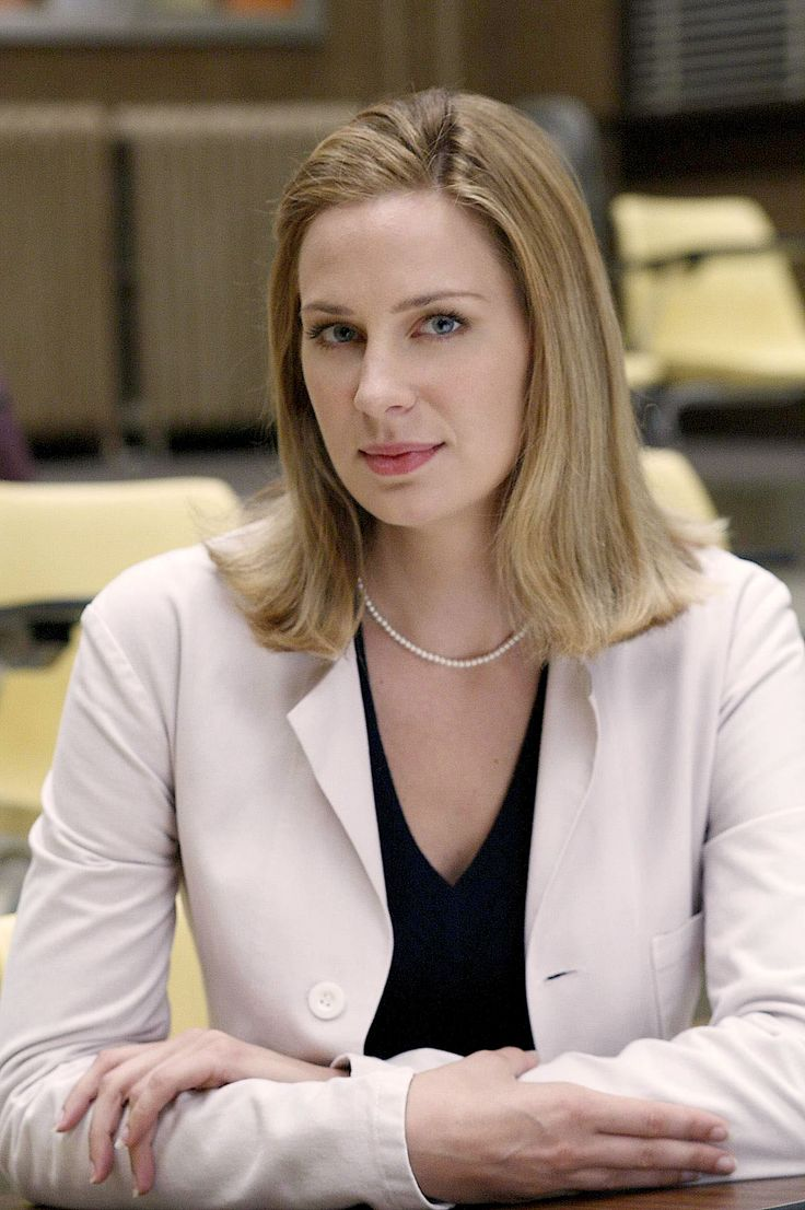 Anne Dudek was the feisty Amber getting at House M.D.