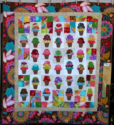 Paris Bebe Fabrics: Sisters Oregon, Outdoor Quilt Show