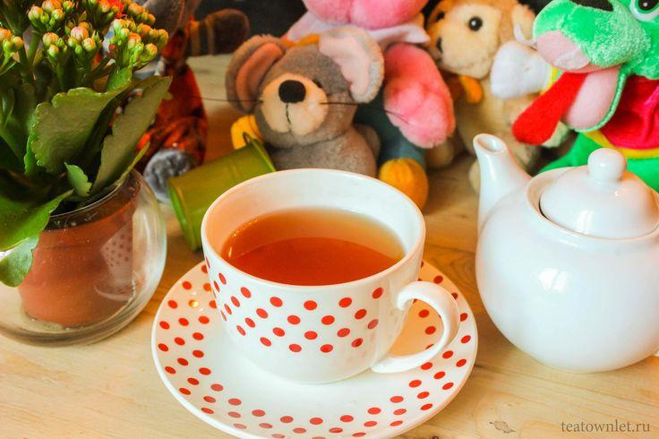 Часто, когда маленькие дети видят, как родители пьют чай, они начинают просить попробовать этот горячий напиток. #Дети #Чай #ЧайныйГородок