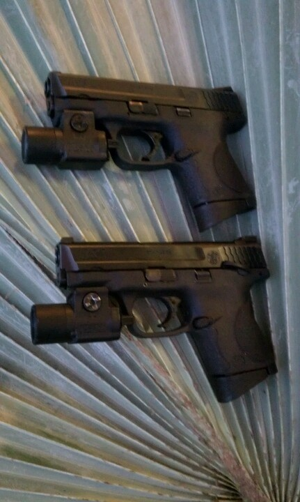 Smith & Wesson M/P .40c with Streamlight