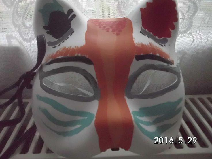 zaten hepimiz maskelerin ardına gizlenmiyor muyuz?