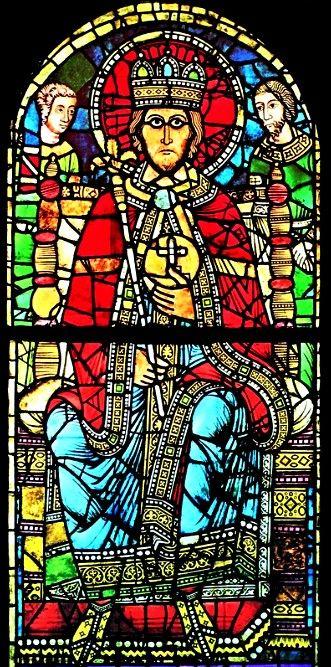 Celui-ci représente Charlemagne, avec au second plan, Roland et Olivier. Il est visible au musée de l'oeuvre de Notre-Dame, de Strasbourg. On pense qu'il se trouvait originellement soit au centre de la façade ouest, soit dans l'axe du choeur oriental de la cathédrale romane. (Cath. de Strasbourg)