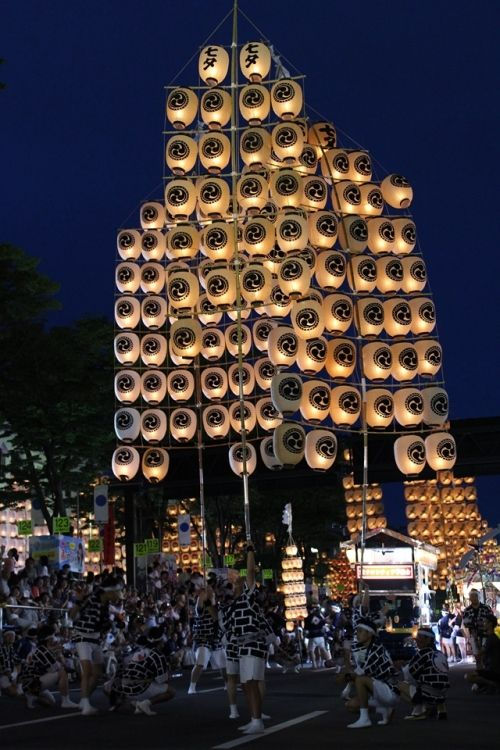 Discovering Tohoku ! ~情熱の東北四大祭り体験レポ【秋田竿燈まつり】(ロケ地:竿燈大通り 秋田市) http://klastyling.com/2015/07/18433/ Photo by Teiko Nozaki