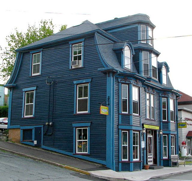 105 best blue houses images on pinterest for Victorian house trim