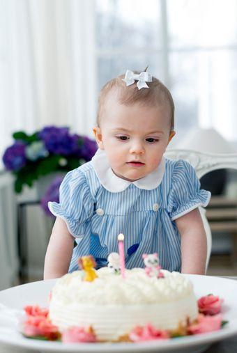 Prinsessan Estelle 1 år - Sveriges Kungahus