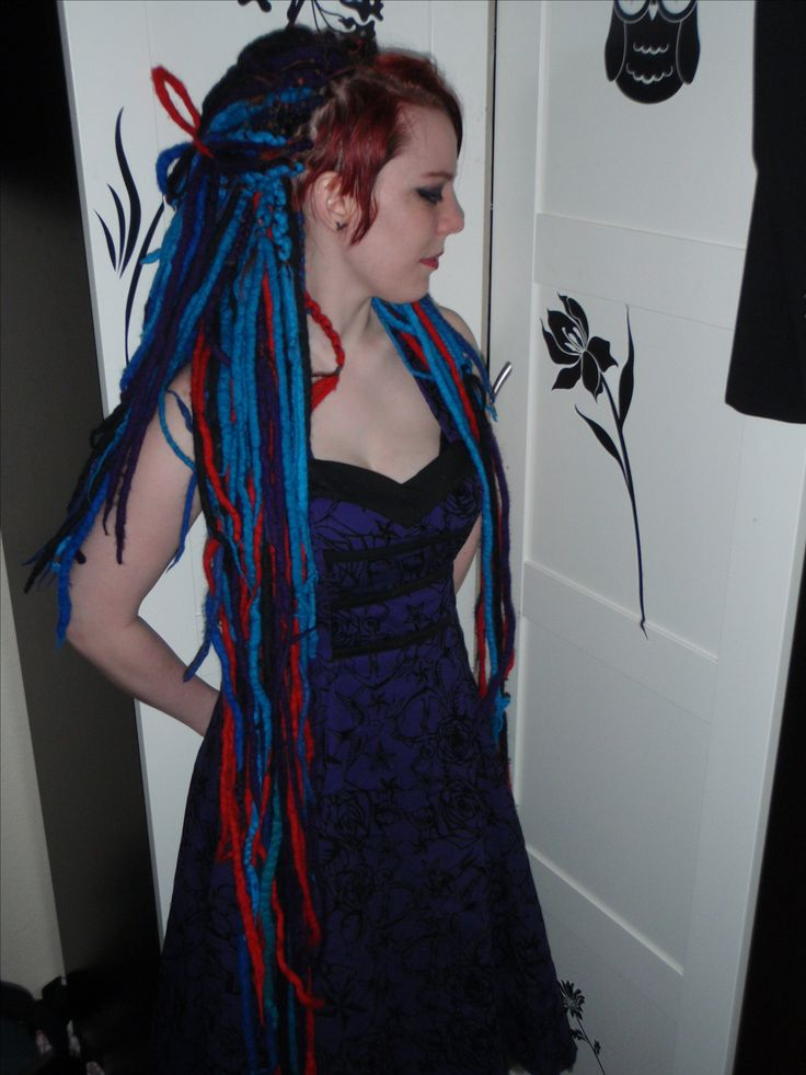 dreads, blue and red. Sidecut.