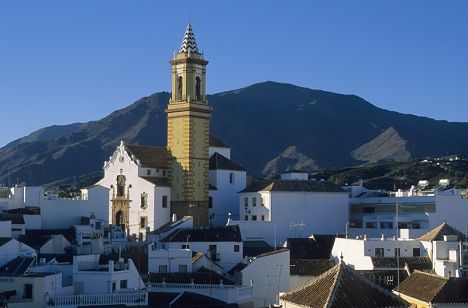 © Michelle Chaplow Estepona rooftops, church and Sierra Bermeja
