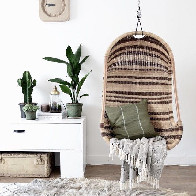Hanging chair #pinterest #interior #interiordesign #homedecor #decor #plants…