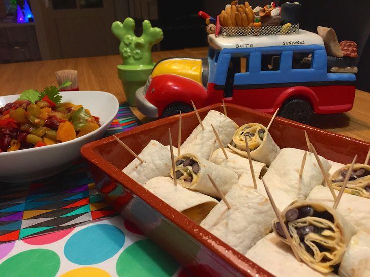 Nieuw recept: Nacho-rolletjes met paprika-bonen salsa - http://wessalicious.com/nacho-rolletjes-met-paprika-bonen-salsa-2/